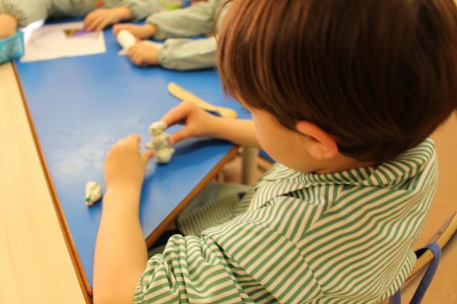 Explicatiile psihologului:Plastelina, jucaria care ii dezvolta creierul copilului