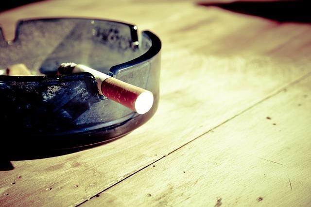 Fumatorii consuma mai multe calorii