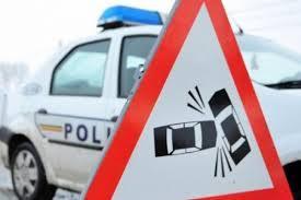 Doi copii şi un bărbat, răniţi într-un accident rutier produs în Sibiu