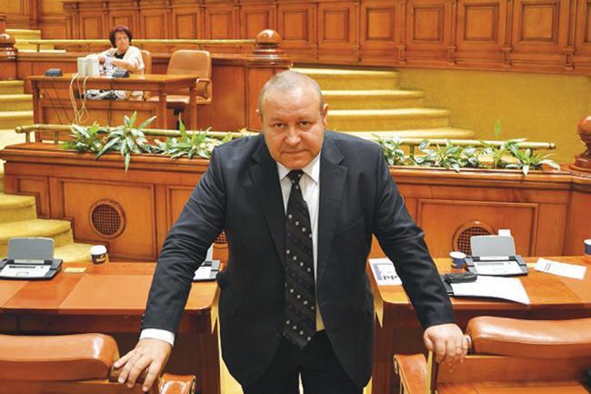 Senatorul Daniel Fenechiu a dezvăluit planurile PNL post ...  |Daniel Fenechiu