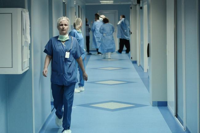 Femeie, scăpată de durerile provocate de cancer