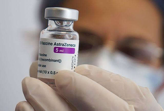 Autorităţile din Marea Britanie recomandă limitarea vaccinului AstraZeneca la persoanele peste 40 de ani