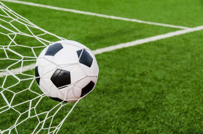 """UEFA iartă, pe bani, nouă cluburi implicate în proiectul """"Super League"""""""