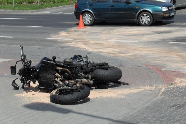 Motociclista muere tras ser atropellado por un coche en Iași