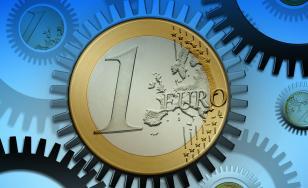 Euro atinge un nou maxim istoric. Aurul se scumpește