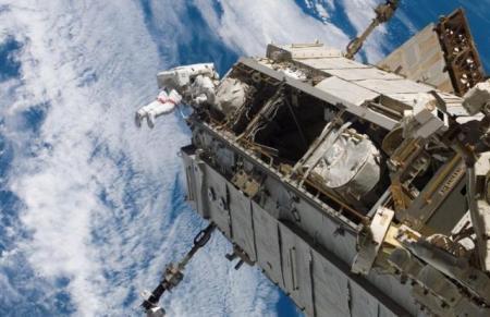 """DESCOPERIRE UNICĂ pe ISS! Ce au găsit oamenii de ştiinţă ataşat de pereţii exteriori ai avanpostului spaţial. """"E INEXPLICABIL!"""" (VIDEO)"""
