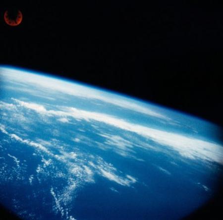 """Descoperire BIZARĂ făcută de NASA. Ce au găsit oamenii de ştiinţă în atmosferă. """"E INEXPLICABIL!"""" (VIDEO)"""