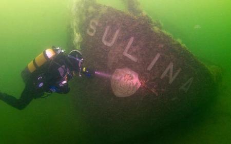 """Descoperire FABULOASĂ în Marea Neagră. Ce au găsit scafandrii la bordul navei """"Sulina"""", scufundată în urmă cu 70 de ani (VIDEO)"""