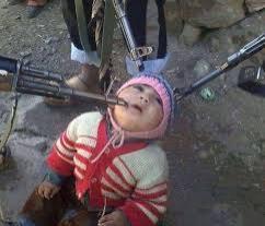 Imaginea ȘOCANTĂ a unui BEBELUȘ DECAPITAT, recuperată de pe telefonul unui combatant terorist al Statului Islamic