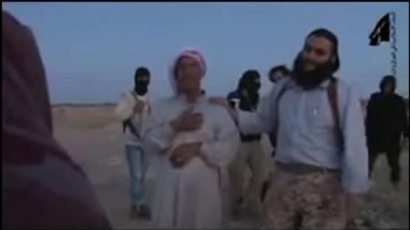 VIDEO. Își OMOARĂ FIICA CU PIETRE, alăturându-se gloatei de fanatici religioși Stat Islamic