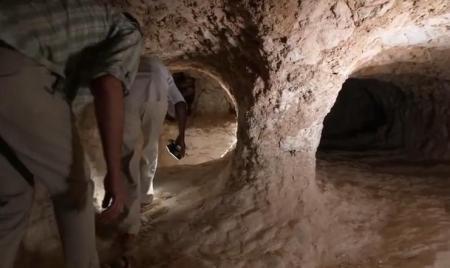 SURPRIZĂ DE PROPORŢII. Au săpat ILEGAL, lângă Cairo, căutând vestigii faraonice. Ce au găsit a ULUIT ministerul Antichităţilor (VIDEO)