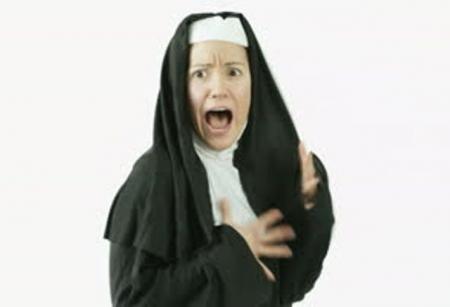 """O CĂLUGĂRIȚĂ a reușit să șocheze toată mănăstirea: """"SUNT POSEDATĂ, ajutați-mă!"""" Doctorii, PERPLECȘI"""