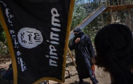 HALUCINANT! Ce se întâmplă când jihadiştii ISIS pun mâna pe un HOMOSEXUAL