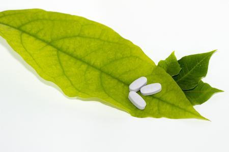 Medicamentele homeopatice ar putea fi SCOASE din farmaciile din SUA. De ce efecte secundare s-au plâns americanii