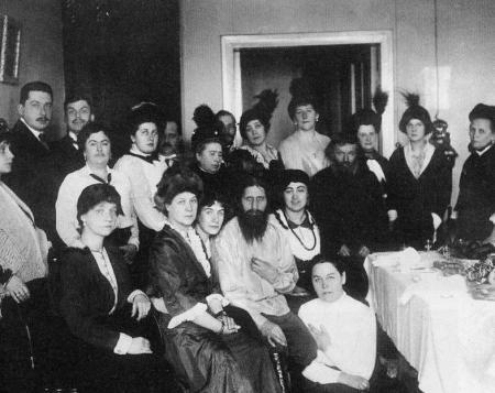 """Ultima zi din viața lui Rasputin. Cum reușea """"sfântul"""" să ia asupra sa... păcatele femeilor"""