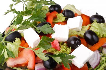 Dieta uşoară de vară. Reţete simple pentru zilele caniculare