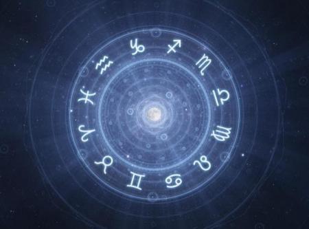 Horoscop zilnic, joi, 2 iulie 2015. Detaseaza-te de tot, ocupa-te numai de treburi usoare si ingrijeste-te!