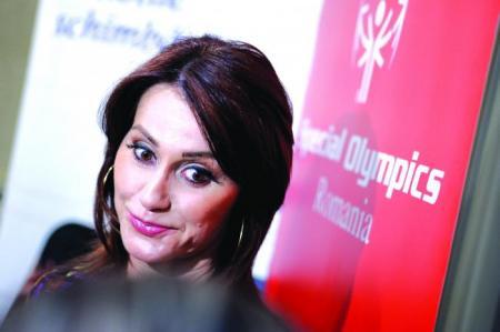 """""""Gimnasta si dictatorul"""". Nadia Comăneci vorbeşte despre relaţia sa cu Nicu Ceauşescu"""