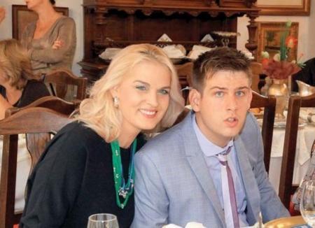 """Manuela Hărăbor: """"Ne-am cunoscut joi şi duminică m-a cerut de nevastă"""""""