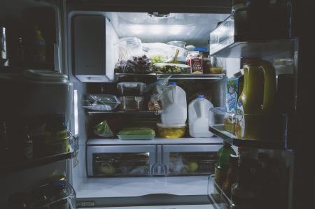6 alimente pe care trebuie să le arunci din casă dacă vrei să slăbești