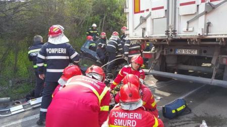 România este în stare de șoc. Cine sunt cei care au murit în accidentul teribil din Olt