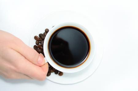 Beți cafea pe stomacul gol? Iată de ce ar trebui să renunțați la acest obicei