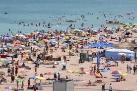 """O boală gravă face RAVAGII printre turiştii care ajung pe litoralul românesc: """"Zeci de oameni au ajuns la spitalele din Constanţa"""""""