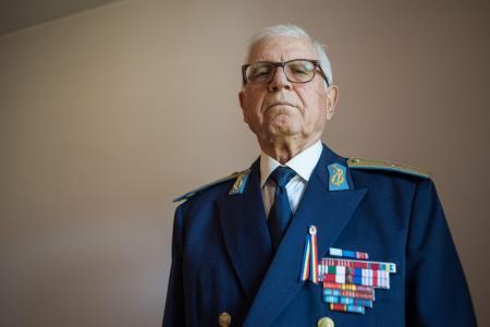 Cel mai tânăr erou de război român din istorie, umilit de ţara pe care a slujit-o