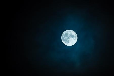 Horoscop de weekend, 26 - 27 mai. Săgetătorii se bucură de singurătate