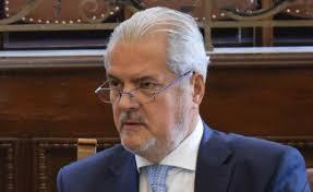 """Adrian Năstase, prima reacție după ce președintele Iohannis a decis să-i retragă ordinul """"Steaua României"""""""