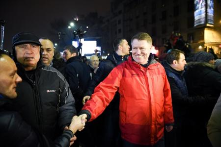 """După patru ani de """"M..e PSD!"""", liberalii sunt tot sub social-democrați, la votul politic"""