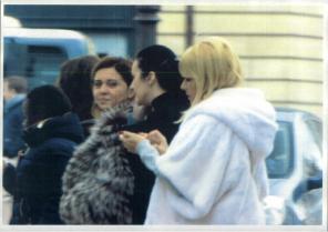 Când politicul și justiția se întâlnesc la cumpărături! Elena Udrea și Alina Bica, fotografiate împreună la shopping la Paris