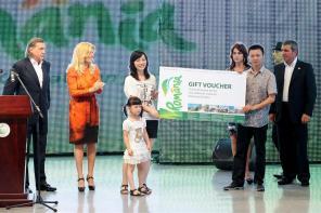 EXCLUSIV. Notăriţa clanului Băsescu-Ionescu, parteneră de afaceri cu organizatorii EXPO Shanghai 2010