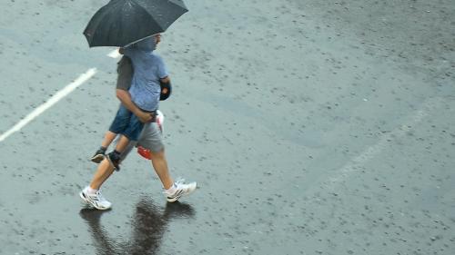 Ploi şi temperaturi mai scăzute de Paşte. Vezi prognoza meteo până duminică