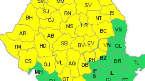 Cod galben de ploaie şi vijelie, începând cu duminică noaptea, în aproape toată ţara. Va cădea şi grindină