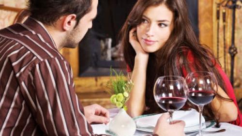 Beneficiile ciocolatei şi ale vinului roşu asupra dragostei şi sănătăţii