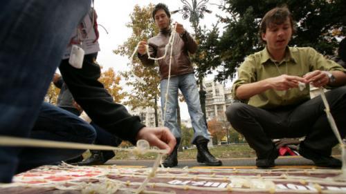 Cei mai mulţi români află că au boli venerice când fac controlul medical prenupţial