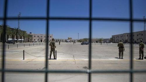 """Sute de deţinuţi au evadat dintr-o închisoare din Benghazi. """"Este revoltă în interiorul închisorii, dar şi un atac din exterior!"""""""