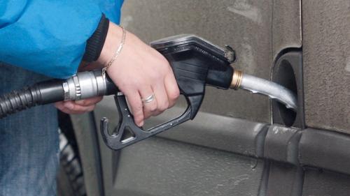 Petrom a ieftinit, începând de astăzi, benzina şi motorina. Vezi cu cât