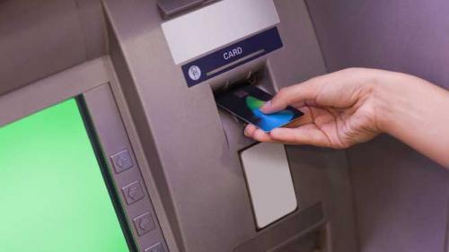 Utilizarea cardurilor reduce economia subterană