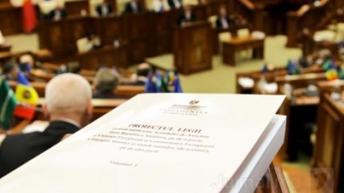 DECIZIE ISTORICĂ: Acordul de Asociere dintre Republica Moldova şi UE, ratificat la Chişinău