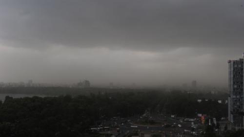 COD GALBEN ploi torenţiale, vijelii şi grindină în aproape toată ţara, până vineri la ora 23:00
