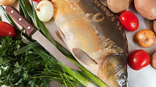 Rețeta zilei de marți. Crap sălbatic de Dunăre gătit după gustul pescarilor
