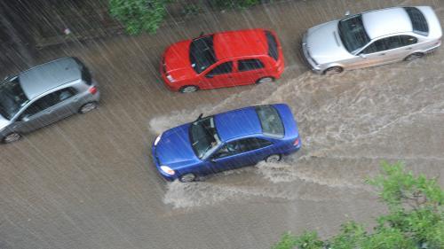 NOWCASTING - COD GALBEN de furtună în Dâmboviţa, Prahova, Buzău, Argeş, Iaşi şi Botoşani