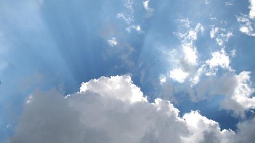 Prognoza meteo 21 iunie. Cer înnorat şi ploi