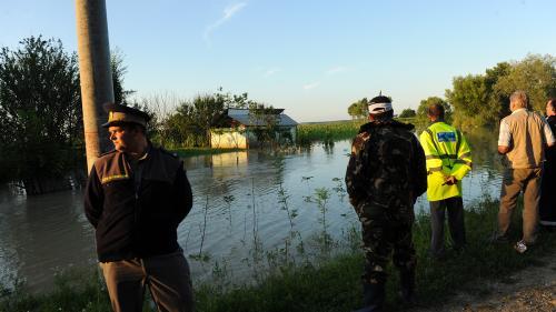 AVERTIZARE HIDROLOGICĂ. Cod PORTOCALIU şi GALBEN de inundaţii