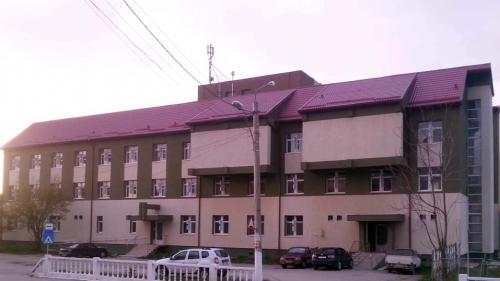 Reabilitarea policlinicii spitalului din Modova Nouă a costat 2 milioane de euro, dar tot nu este funcţională