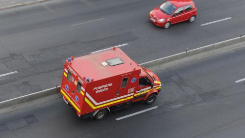 O clădire din localitatea Ovidiu s-a prăbușit peste un bărbat
