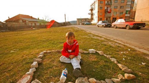 18 şcoli din Botoşani nu au nici măcar garduri