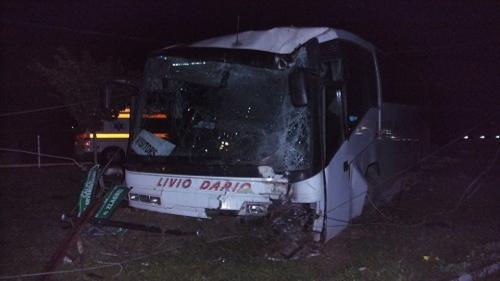 ACCIDENT de autocar la Caransebes: Zeci de persoane au ajuns la spital. A fost instituit COD ROȘU